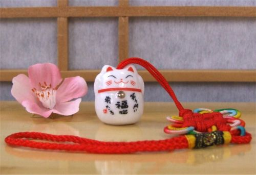 Lucky Cat Maneki Neko car charm to enhance Good Health – 006